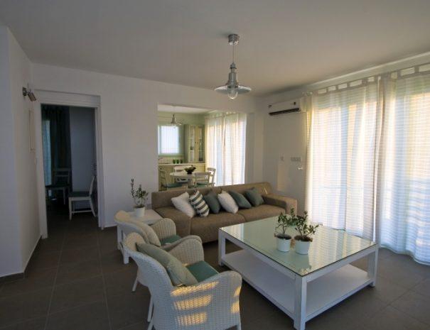 meltemi villas - living room - view towards the kitchen alternative